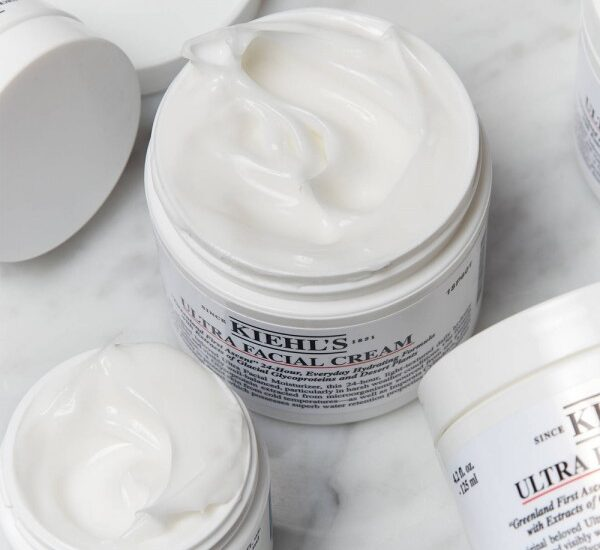 ultra-facial-cream-kiehls-crema-hidratanta-pentru-fata-ten-gras-ten-uscat-crema-buna-iunie-2021